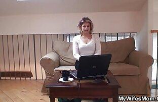 Lindo mujer video xxx en español latino amordazar en consolador