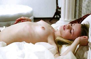 MILF caliente follada por porno peliculas español latino un hombre más joven