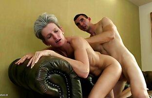 Erótica webcam pornocaserolatino trabajando con el pie