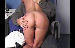 Maduro en el cornudos latinos xxx sofá (masturbación)