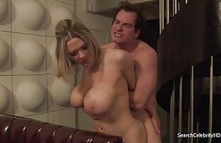 El esposo mira a su esposa con otro peliculas de porno en español latino hombre.